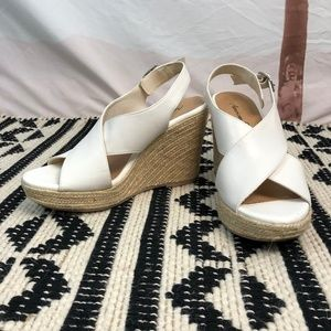 American Eagle White Strappy Wedges Size 9